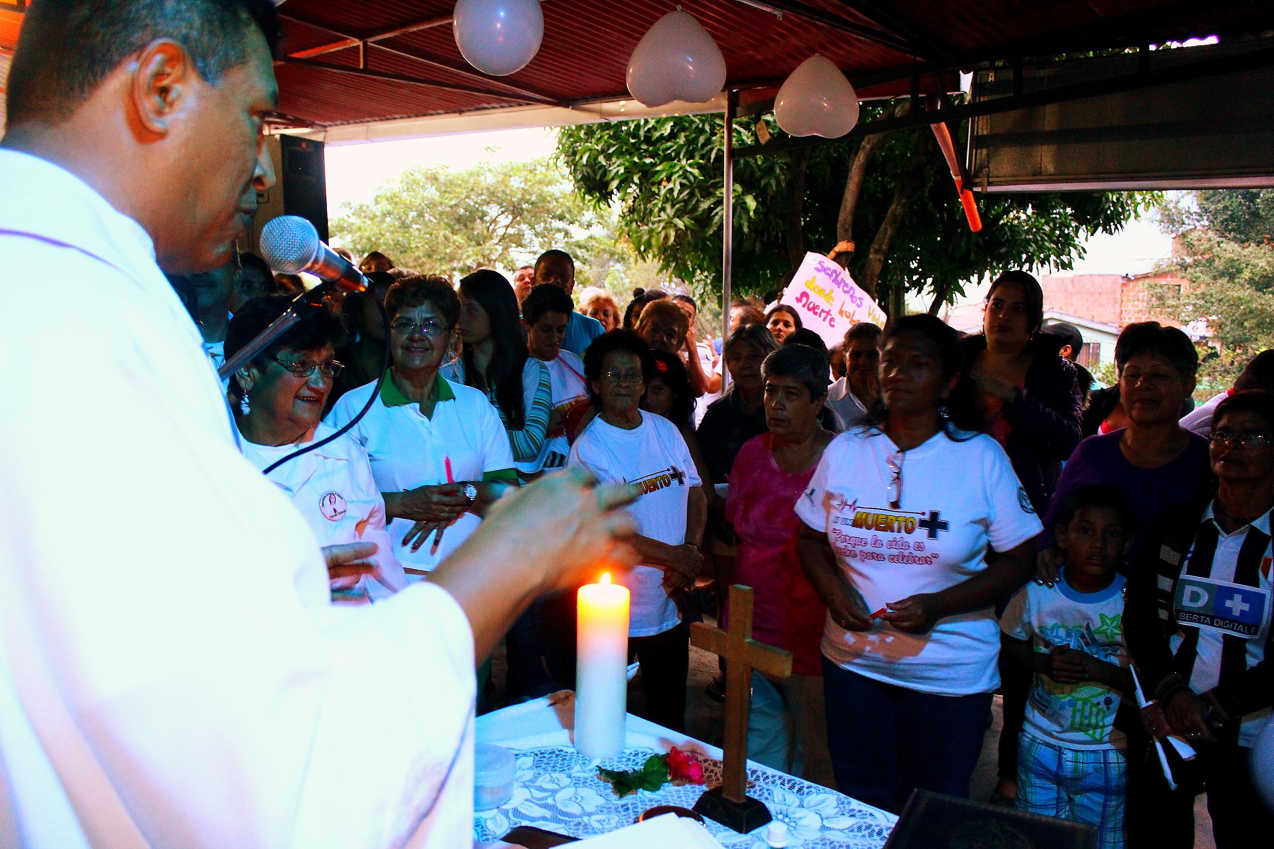 Un año después de la masacre, la comunidad realiazó un acto conmemorativo. Foto Juan Aristizábal.