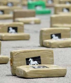 LANCHA INCAUTADA CONTENêA COCAêNA VALORADA EN 27 MILLONES DE DîLARES