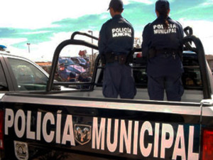 policia-brisenas-renuncia-michoacan-desaparecidos2012122720130102