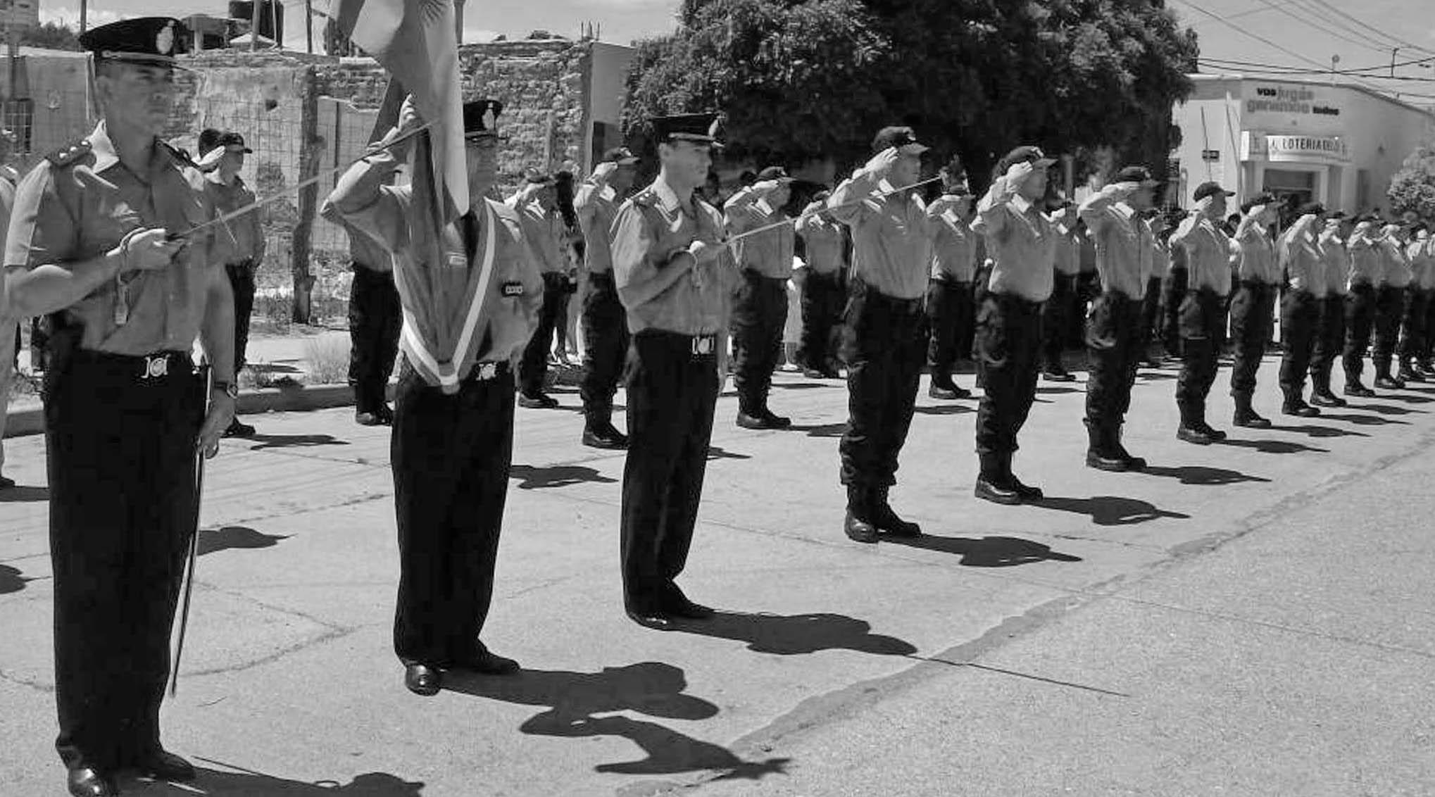 condena a policías Chubut