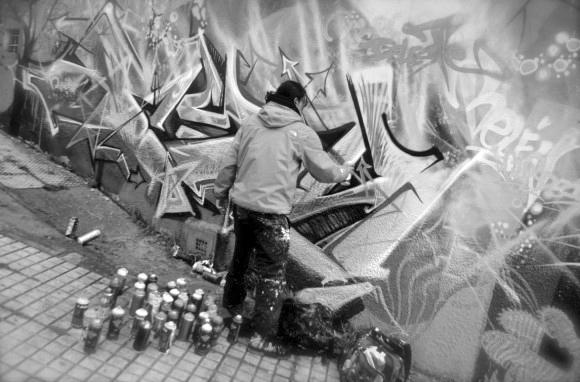 Tapan grafitis en Bogotá