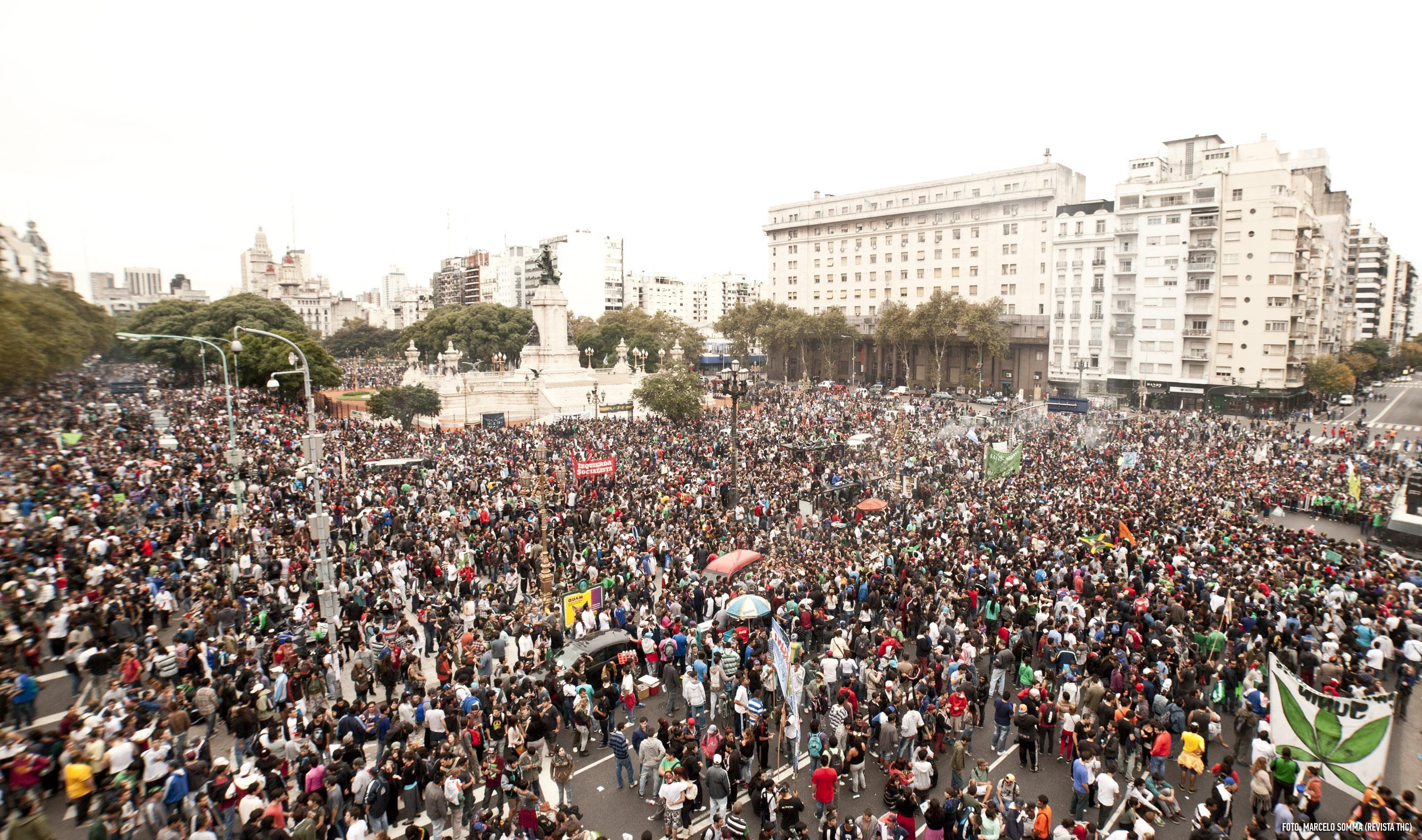 Marcha Marihuana 2014 - Buenos Aires - 150 mil personas - Congreso - Creditos Marcelo Somma - Revista THC