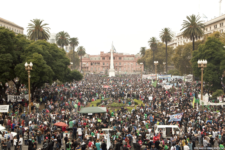 Marcha Marihuana 2014 - Buenos Aires - 150 mil personas - Plaza de Mayo - Creditos Marcelo Somma - Revista THC