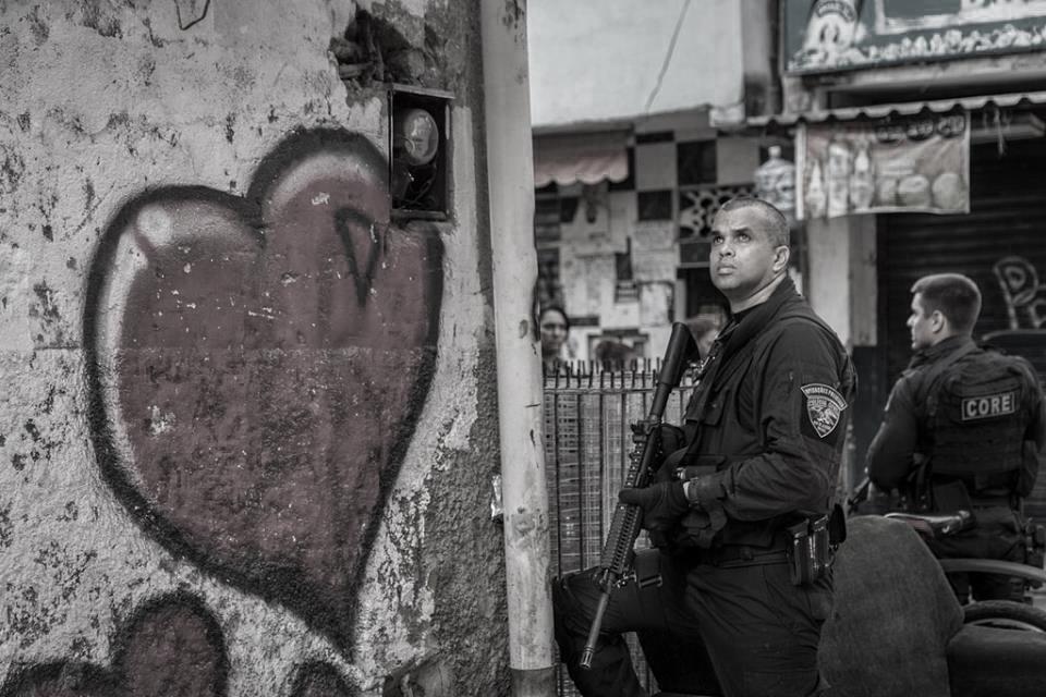 Ocupación de la favela retratada por fotógrafos independientes