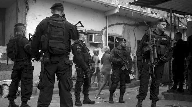UPP ocupa la favela