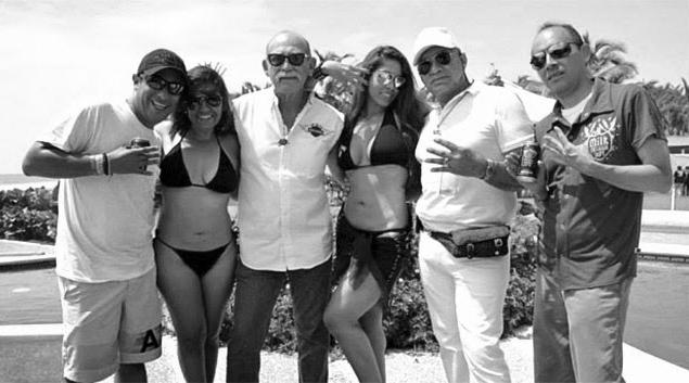 Arellano en su fiesta con cantantes y modelos - particular (1)