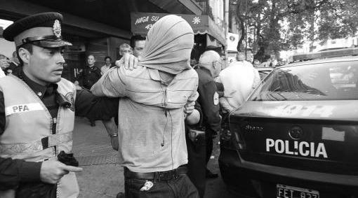 detención de chilenos