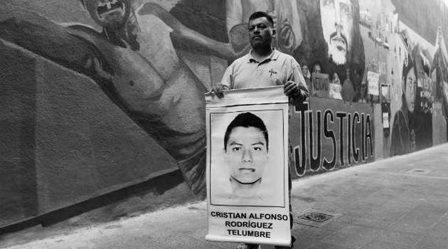 Padres Ayotzinapa - Antonio Cruz