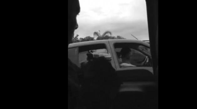 policia pareja marihuana