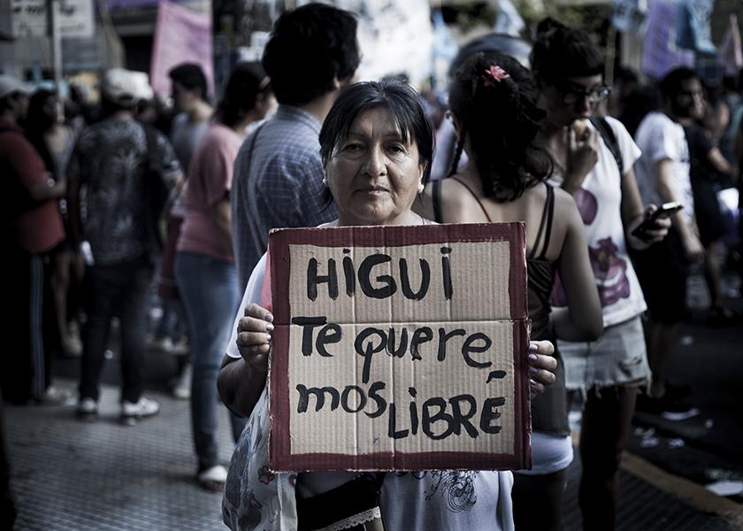 Susana, la mamá de Higui en el 8M- Foto: Sebastián Hacher