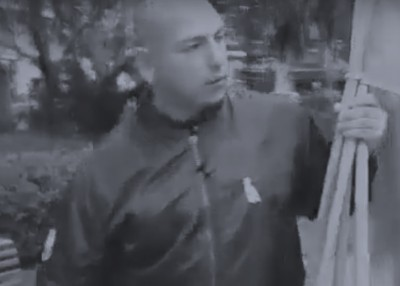 Este es el hombre que irrumpió la ronda de Madres de la Plaza 25 de Mayo en Rosario.