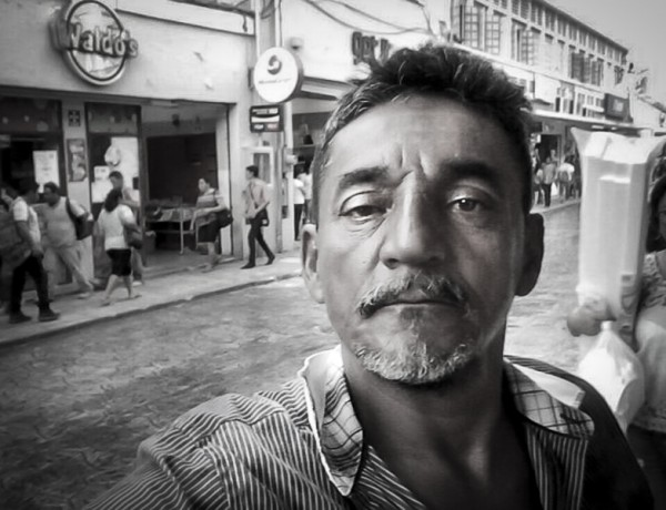 MEX40. HUEYAPAN (MÉXICO), 22/08/2017.- Fotografía sin fecha cedida hoy, martes 22 de agosto de 2017, que muestra al periodista mexicano Cándido Ríos Vázquez. El periodista mexicano Cándido Ríos Vázquez, quien figuraba en un programa de protección gubernamental, y otros dos individuos, murieron hoy asesinados en el estado oriental de Veracruz, informó la Comisión Estatal para la Atención y Protección de los Periodistas (CEAPP). EFE/ARCHIVO PARTICULAR/SOLO USO EDITORIAL/NO VENTAS