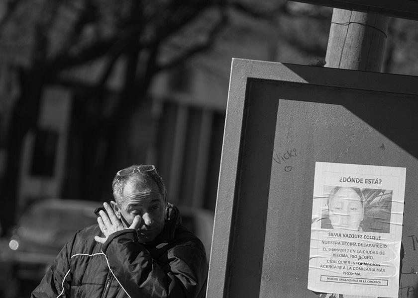 Viedma. 11-08-17. Afiches en las paradas de colectivos, para buscar a Silvia Vazquez Colque. Foto: Pablo Leguizamon