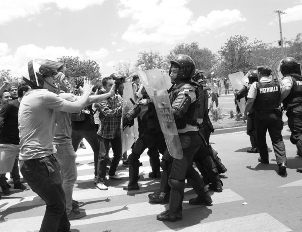 Protestas  x inss  OV (16)840