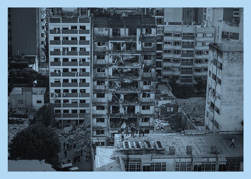 Explosión en Rosario: una madrugada entre rescatistas y escombros