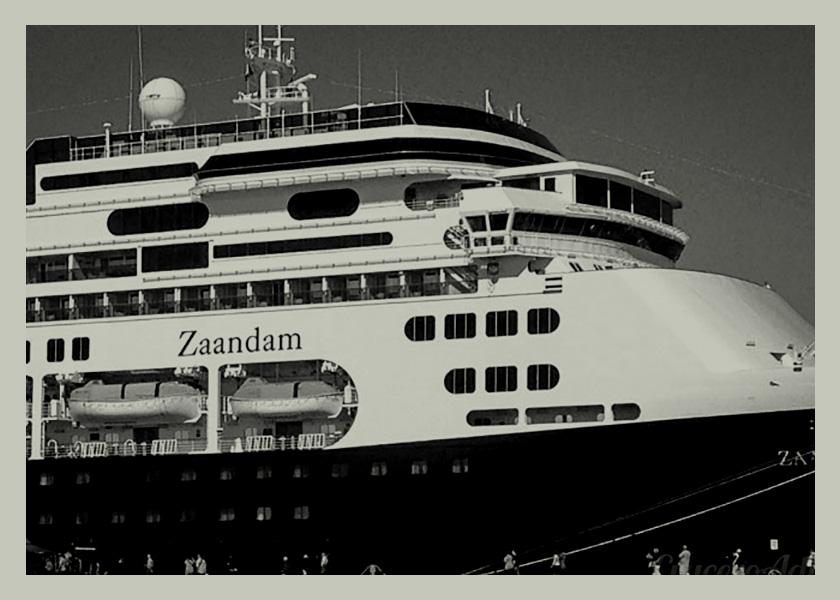 35 días encerrados en un barco sin destino