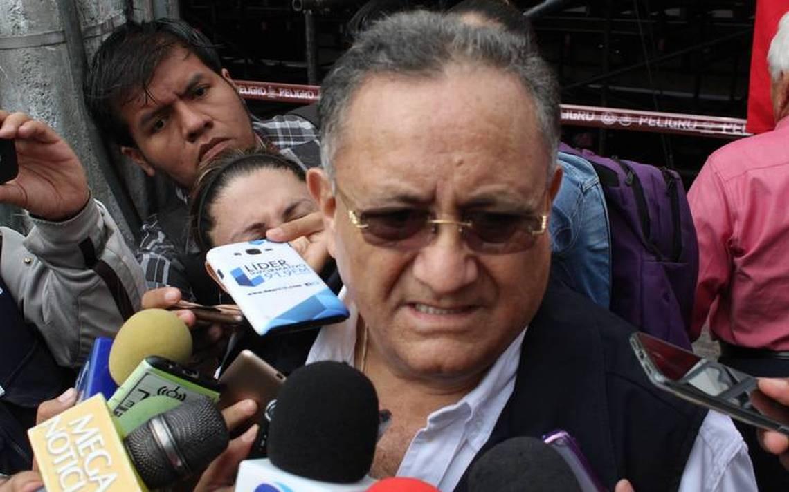 Luis Octavio Cotero en entrevista tras darse a conocer la existencia de los contenedores. Crédito: Darwin Franco