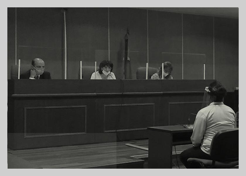 Su ex violó la perimetral, ella se defendió y ahora la juzgan por homicidio