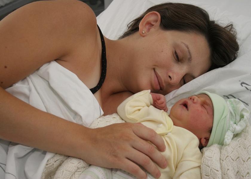 El parto es de quien gesta y del bebé, el resto son invitados