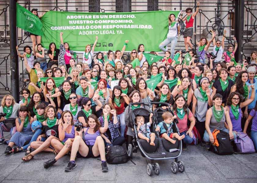 Histórico: los medios de Argentina tendrán equidad de género y cupo trans