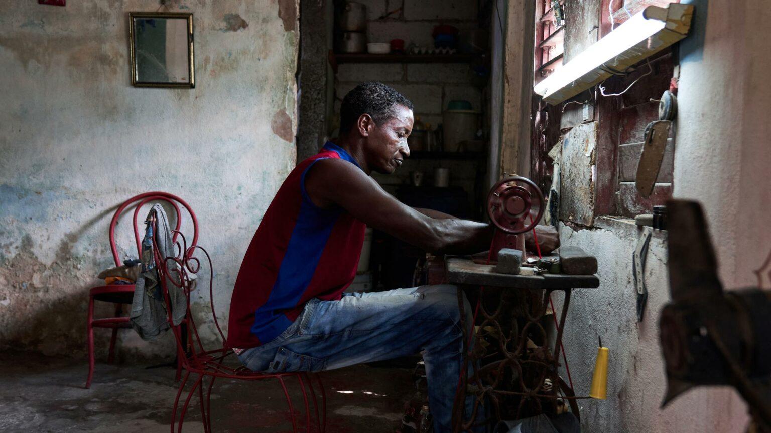 Rentas ilegales en Cuba: vivir con las maletas en la mano